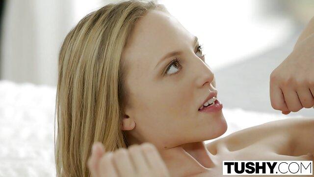 Belleza con las palmas de las manos golpea videos lesbianas en español un culo enorme