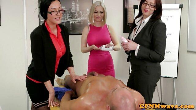 La secretaria pidió sexo caliente con el jefe videos amateur en español