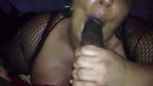 Porno casero de una porno hablado en español rusa completa a la que le encanta tocar su coño