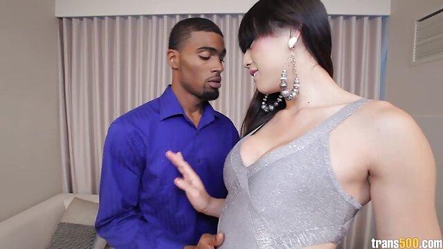 Morena lujuriosa pone los cuernos videos de sexo en idioma español a su marido con un macho local