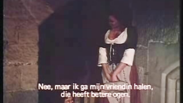 Mujer blanca es follada por un grupo de peliculas xxx completas online chicos negros
