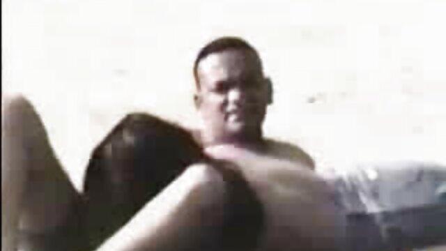 Una porno hentai español pareja de amantes graba en cámara un vídeo porno privado