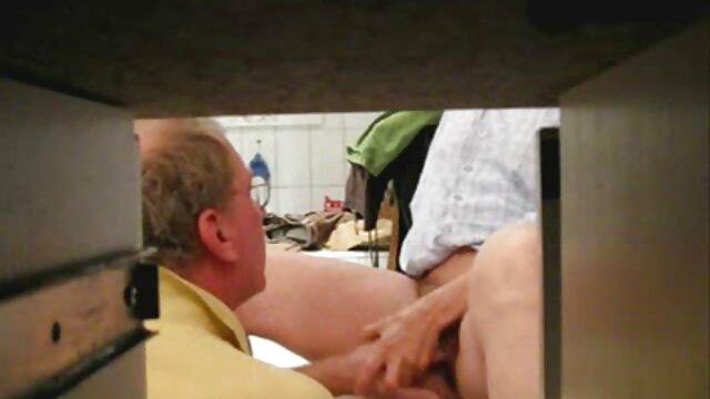 Mujer de grandes ordeños gime de un vibrador videos xxx subtitulados al español