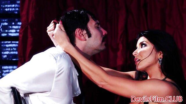 Escena erótica porno gratis fakings en la cocina