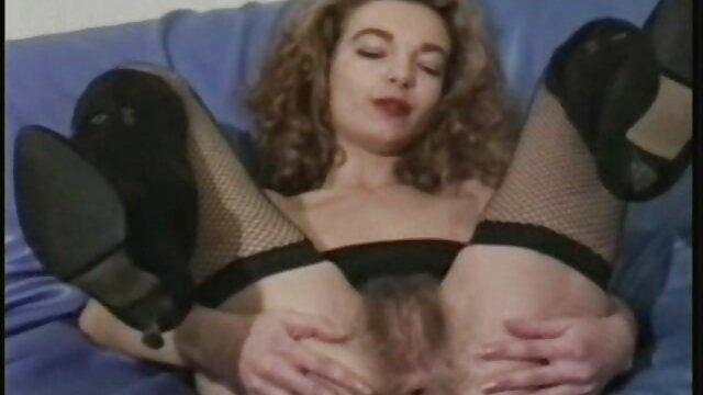 Mujer pelirroja atada es ver sexo en español llevada al orgasmo con un vibrador