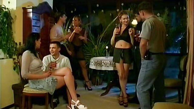 Solo al ritmo de Año Nuevo de la belleza Vicki videos xno en español Valkyrie