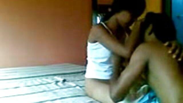 Sandra le hace una garganta profunda a videos de incesto subtitulado en español un extraño